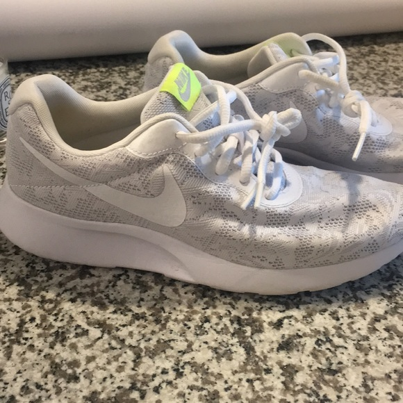 Nike Running Shoes White Lace